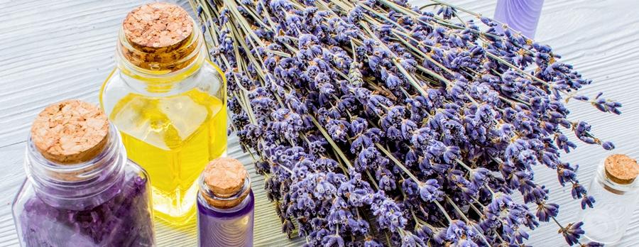 Добавление эфирного масла лаванды в шампунь